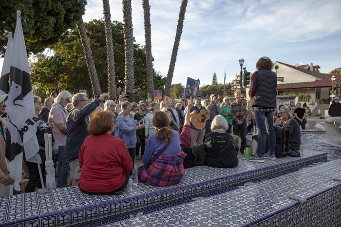 Ventura Harbor Village zombies break World Record flash
